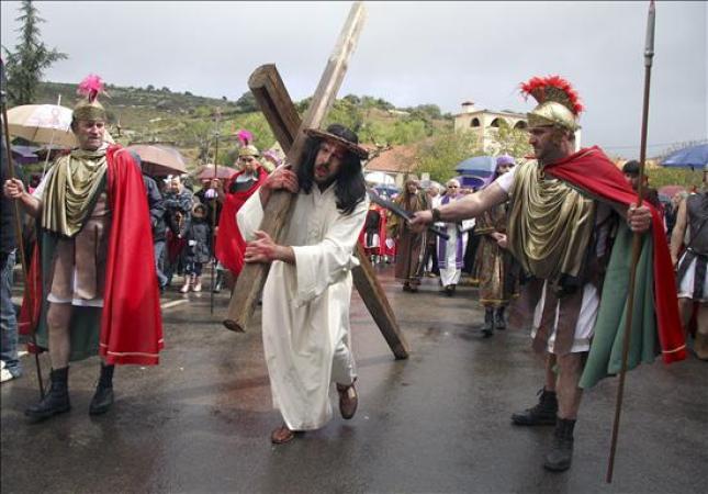 ¿Por qué rezar el Vía Crucis? 6 razones del Papa Francisco