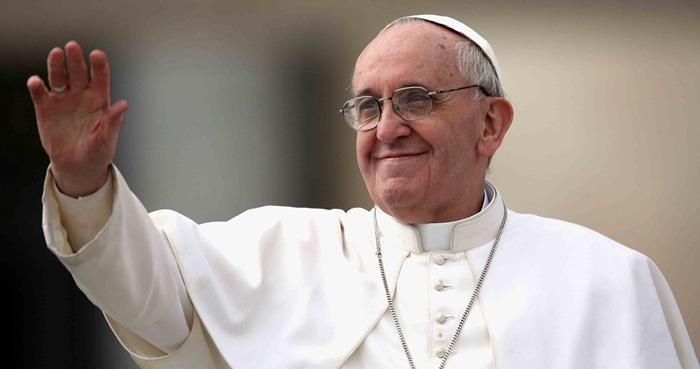 Preparan botella de tequila alusiva a visita del Papa Francisco a México