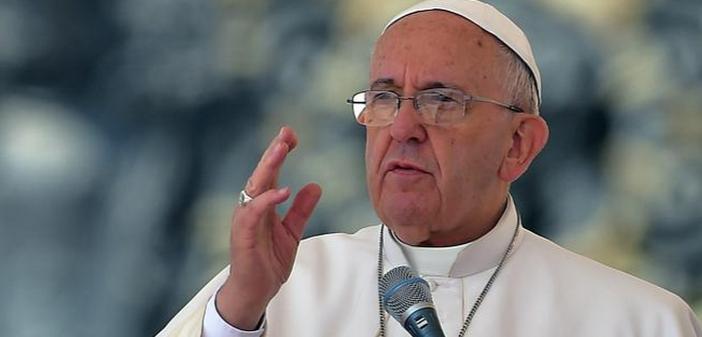Papa Francisco: Una Iglesia que no se alza para ponerse en camino, se enferma