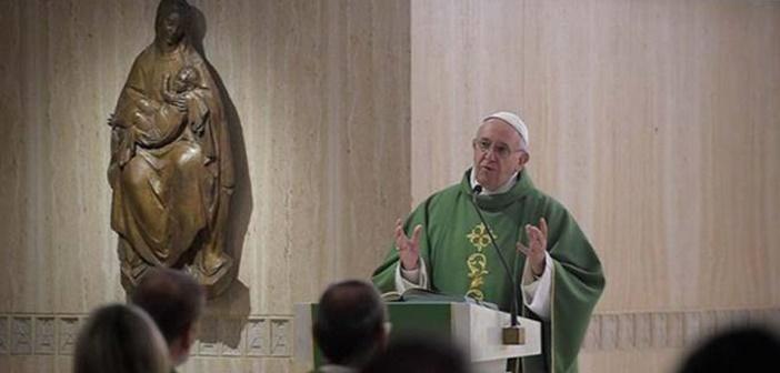 Papa Francisco pide abrir los corazones y no ser obstinados como los paganos