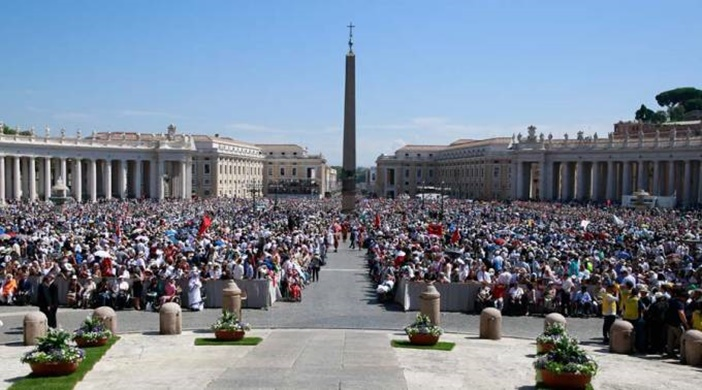 Casi 4 millones de peregrinos se encontraron con el Papa en el Vaticano durante el 2016