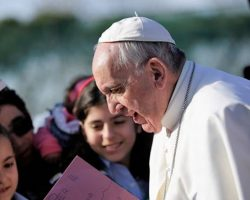 Papa Francisco afirma la Eucaristía nos convierte en parte del Cuerpo místico de Cristo
