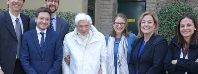 Grupo ACI visita a Benedicto XVI