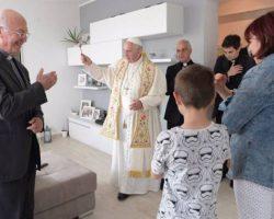 Viernes de Misericordia: Visita sorpresa del Papa a familias de la periferia de Roma