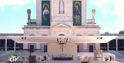 El Papa declaró santos a pastorcitos Francisco y Jacinta, videntes de Fátima